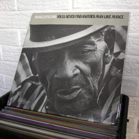 02-blues-vinyl-o1080px