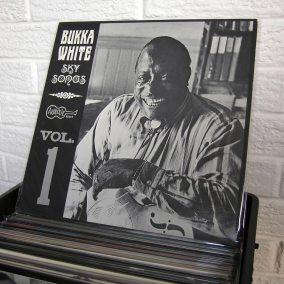 16-blues-vinyl-o1080px