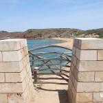 Barrera Menorquina camino de Cala Mica