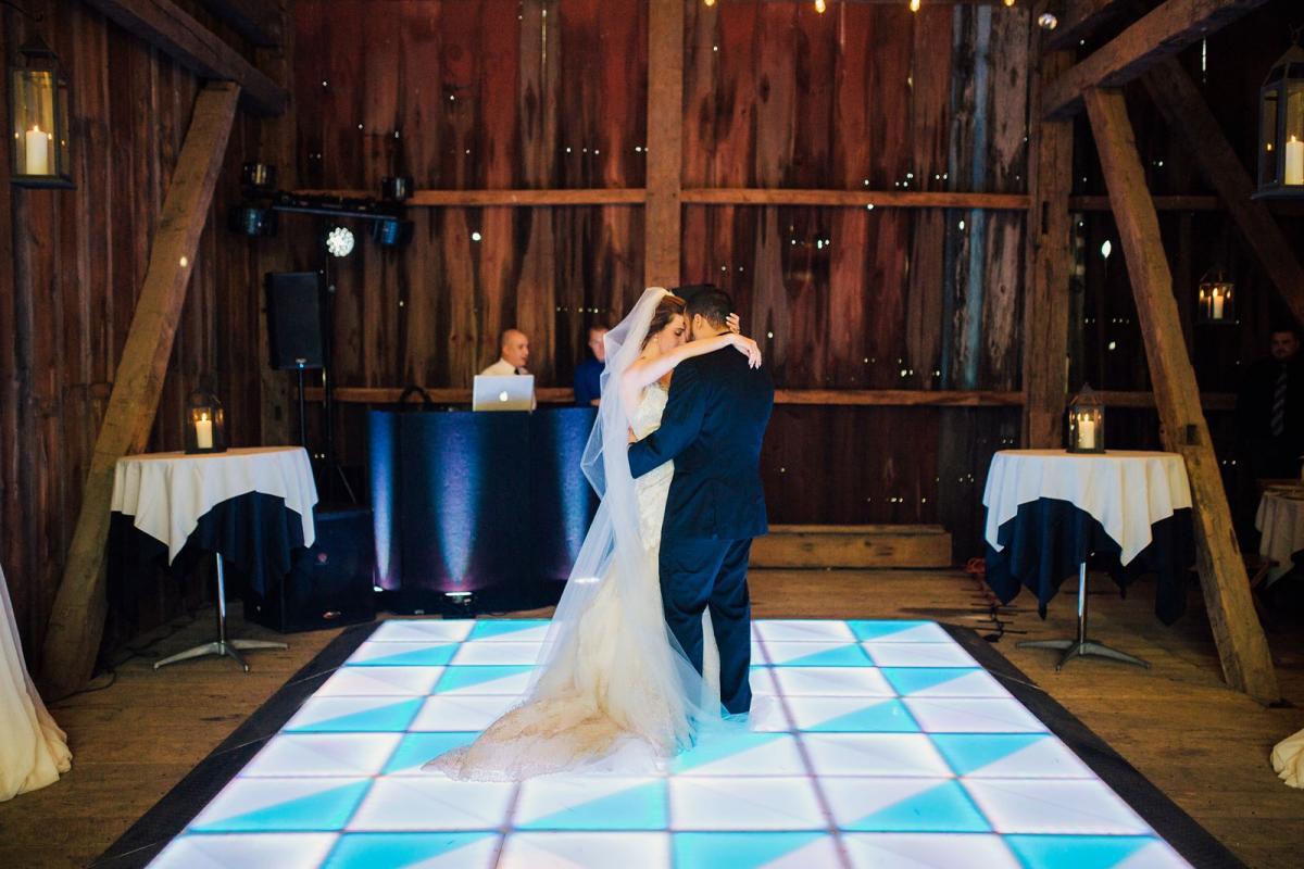 wild-native-photography-pittsburgh-wedding-photographer-jessie-and-mark_0807