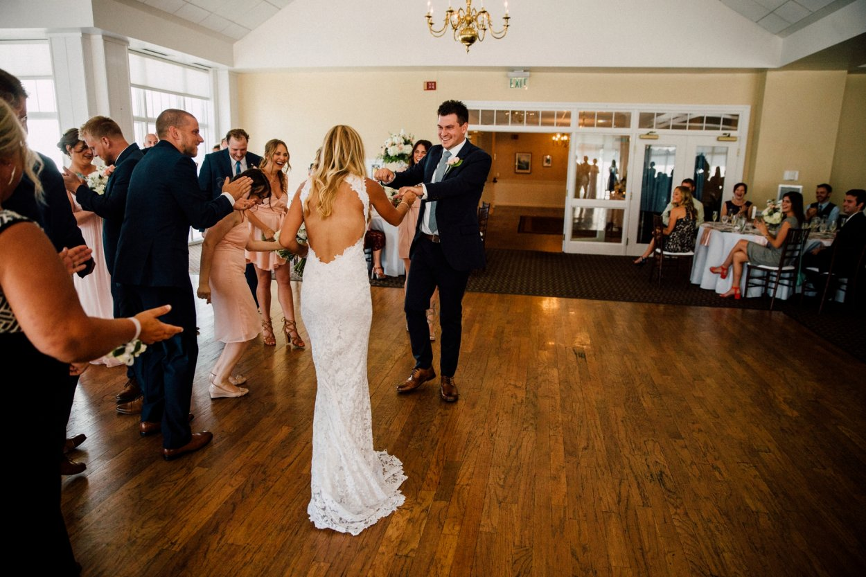 wild-native-photography-modern-pittsburgh-wedding-photographer-butler-country-club_1142