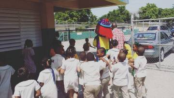 Excelsior Primary is in love with our party clowns