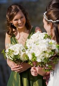 bride-bridesmaids-bouquets
