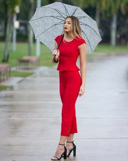 Flirty Top with Cap Sleeves and Capri Pants in Red