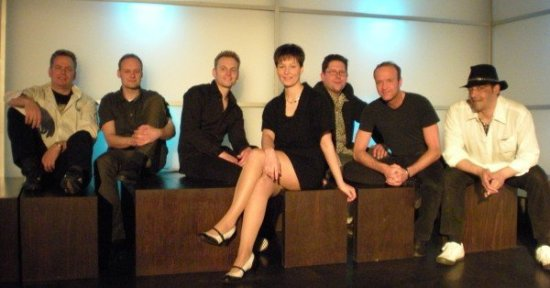 Heimspiel! Buzzy Bee & The Easy Lover im Ederblickzentrum