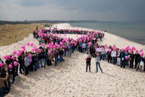 Entlang der imaginären pinken Schleife: Radtour soll auf Brustkrebs aufmerksam machen