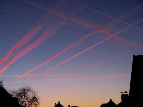 Chemtrails -  Verschwörung aus der Luft!