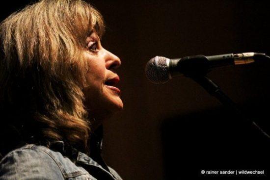 Überzeugte in der Kulturhalle Ziegenhain: Suzi Quatro (Foto: Rainer Sander)