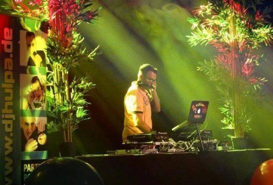 Liebt die Party-Musik: DJ Hulpa wird die Feier musikalisch begleiten und für eine ausgelassene Stimmung sorgen. Foto: Veranstalter