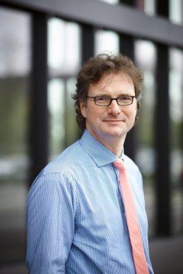 Foto (Universität Paderborn): Prof. Dr. Rüdiger Kabst treibt seit 2013 die Gründungskultur an der Universität Paderborn voran.