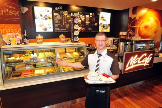 Das Mc Donald's-Restaurant in Korbach baut um und ist bis 13. Dezember geschlossen. Auch künftig wird das McCafé ein wichtiger Bestandteil des Konzeptes sein. Foto: Sascha Pfannstiel
