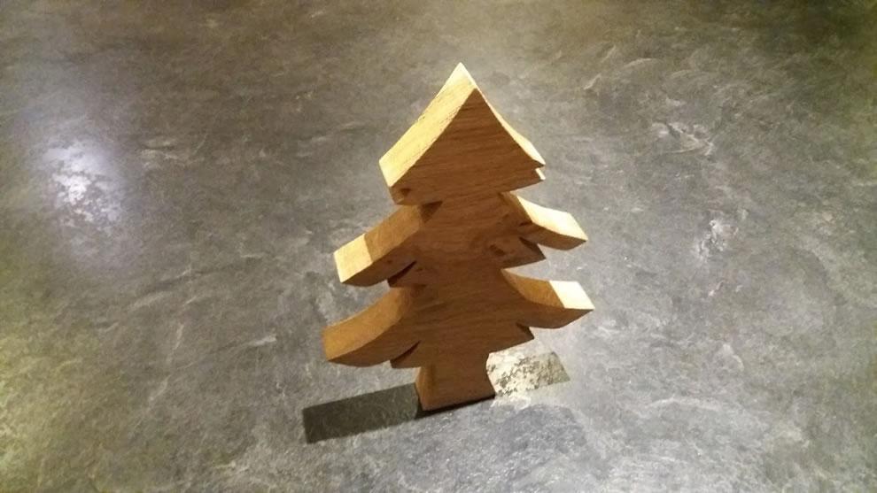 wooden xmas tree