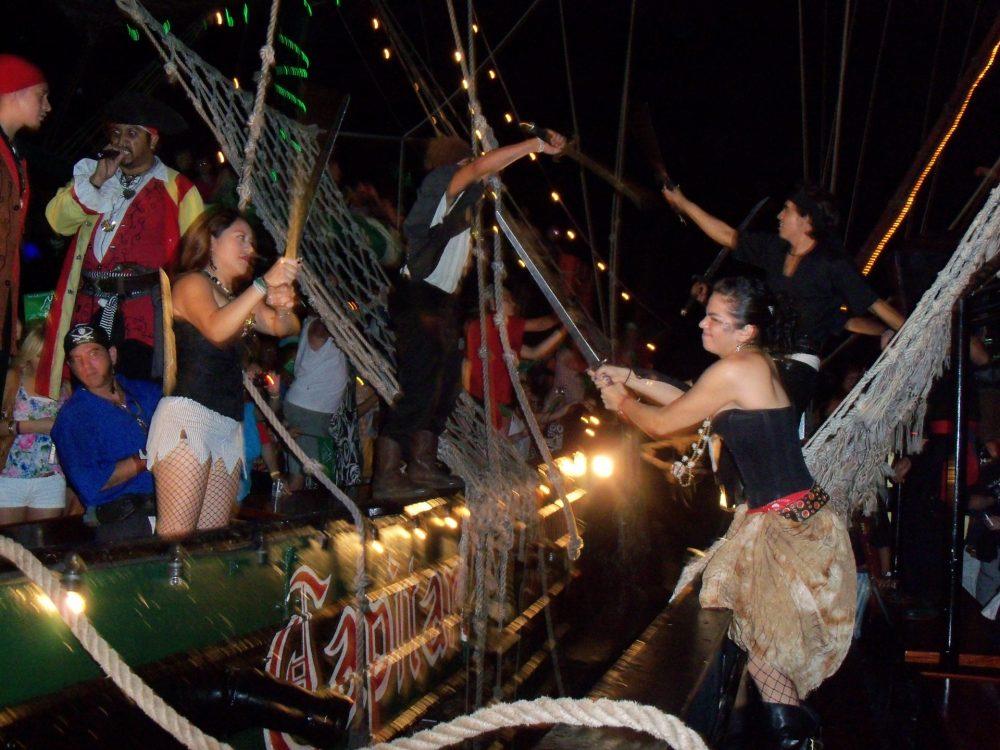 pirate ship battle