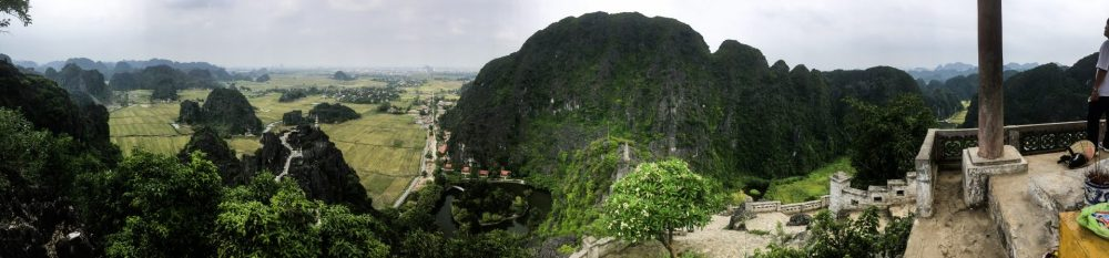 Panorama Hang Mua