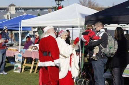 Yorktown Market Days Holiday Market'