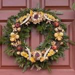 Colonial Williamsburg Decorated Wreath Sales