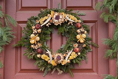 colonial williamsburg wreath workshop