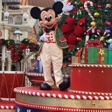 Christmas-Mickey-disney-during-covid