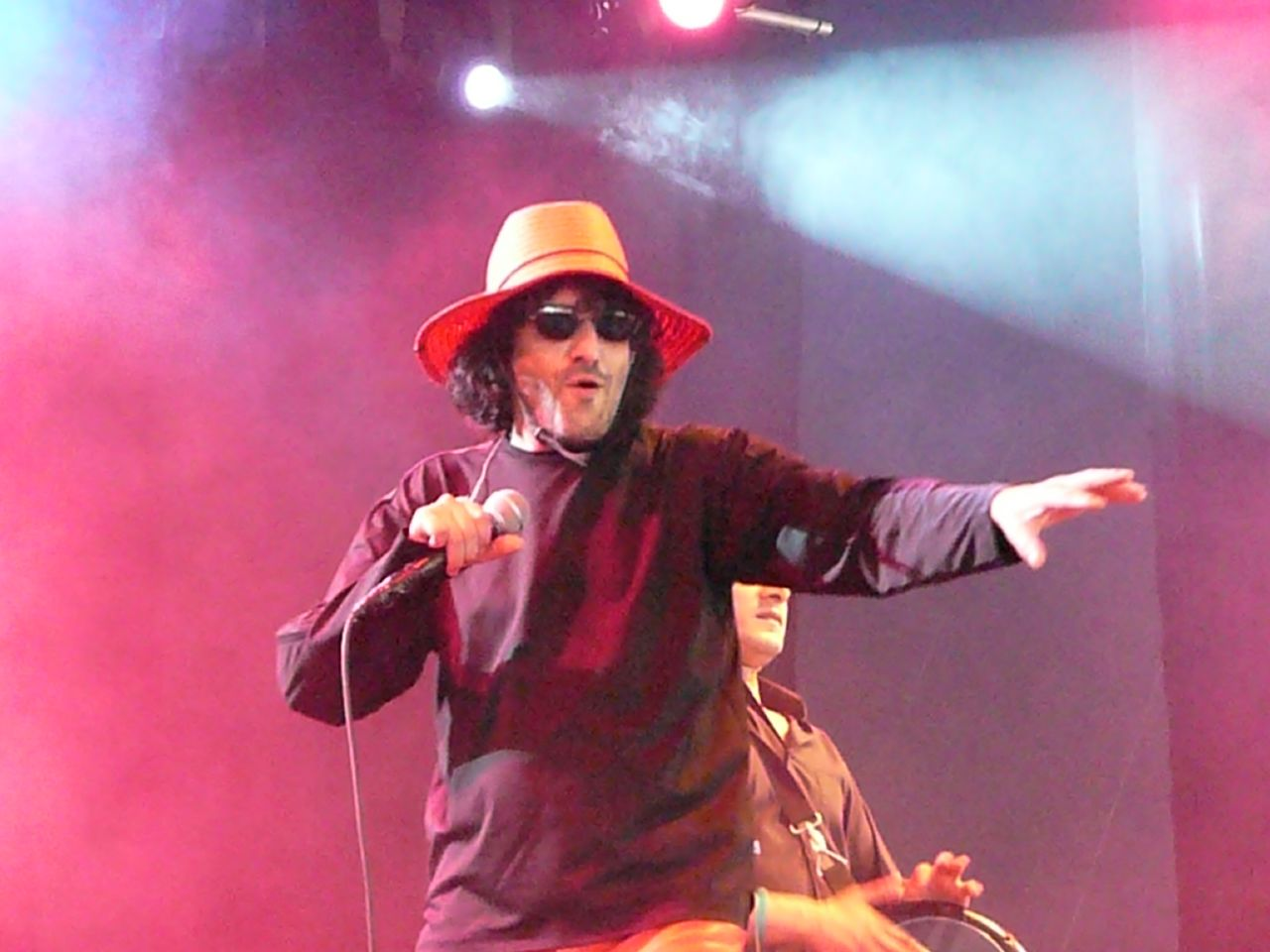 https://fr.wikipedia.org/wiki/Rachid_Taha#/media/File:RachidTaha2007Belgium.jpg
