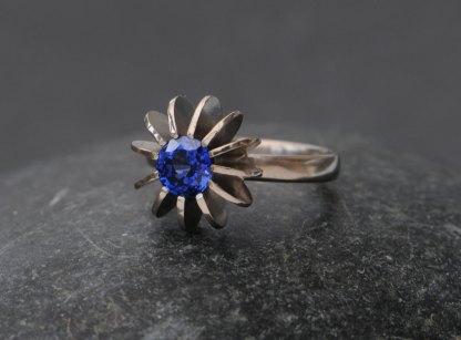 Ceylon blue sapphire sea urchin ring in white gold