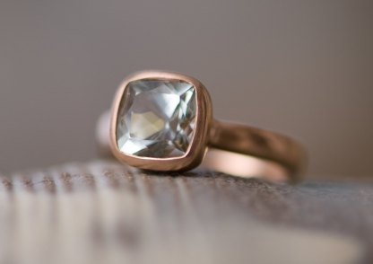 pale green beryl solitaire ring in rose gold