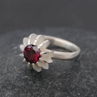 Sea Urchin design ring in silver, set with Rhodolite garnet