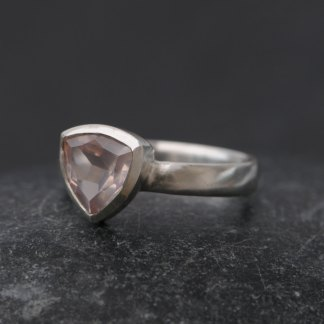 rose quartz trillion ring in silver