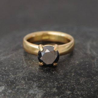 3ct black diamond 18K Yellow gold 1
