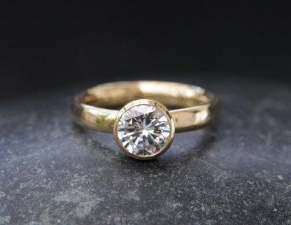 1-carat-diamond-ring-in-18K-y-gold-