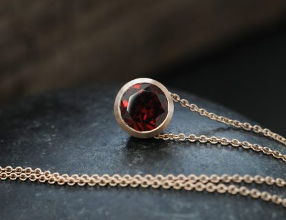 red garnet cup pendant in 18K rose gold