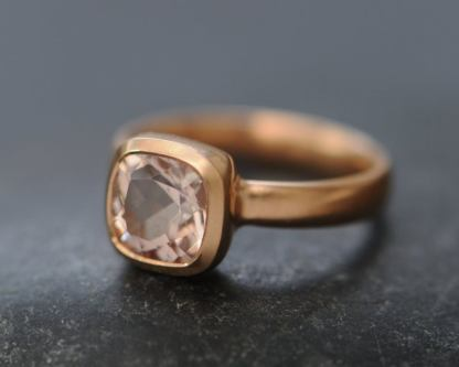 morganite 8mm cushion ring in 18K rose gold