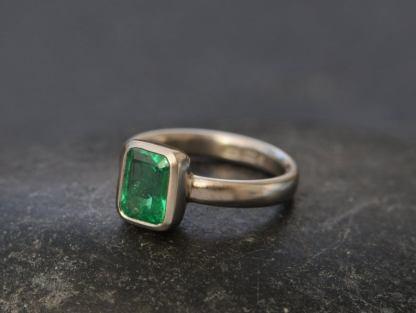 emerald cut 6 x 8 emerald ring in platinum