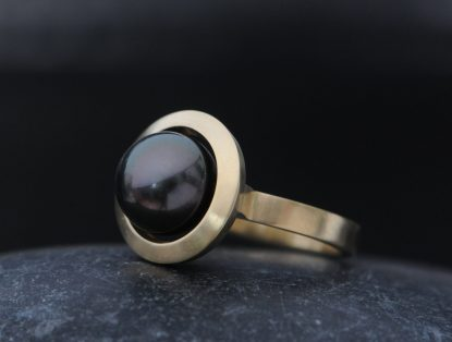 black pearl halo ring 18K yellow gold