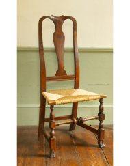 Lot 21: Queen Anne Side Chair