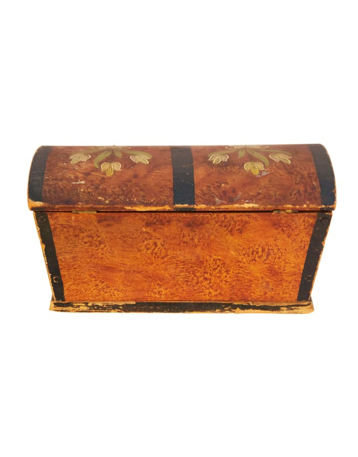 Lot 17A: Miniature Pine Dome Top Trunk