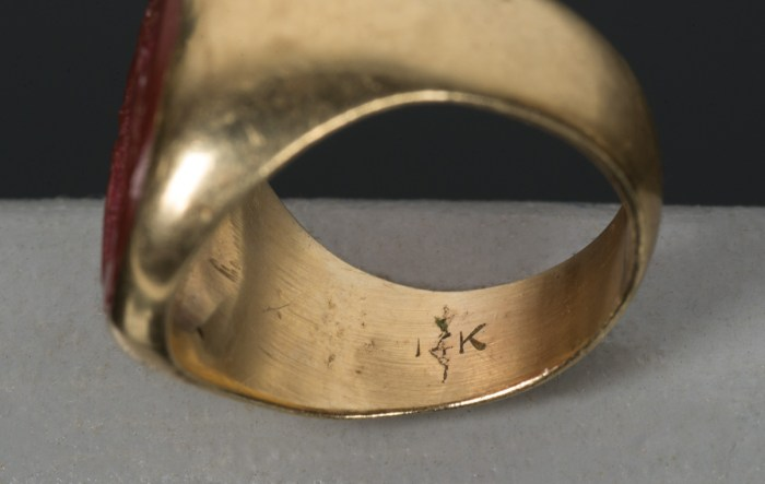 Gold Ring with Carnelian