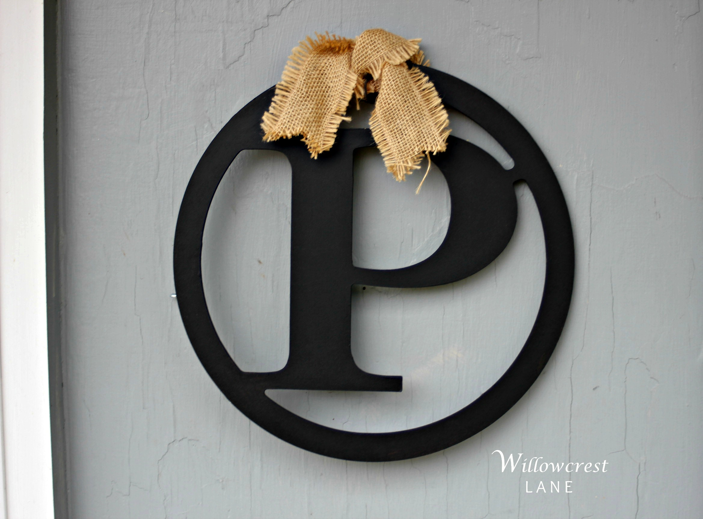 Quickest, easiest DIY project: monogram letter and some burlap. Done!
