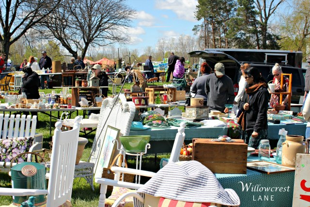 Willowcrest Lane: Thrifty Treasures Flea Market