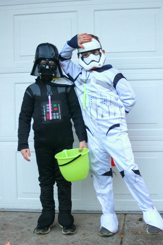 Willowcrest Lane Halloween Fun