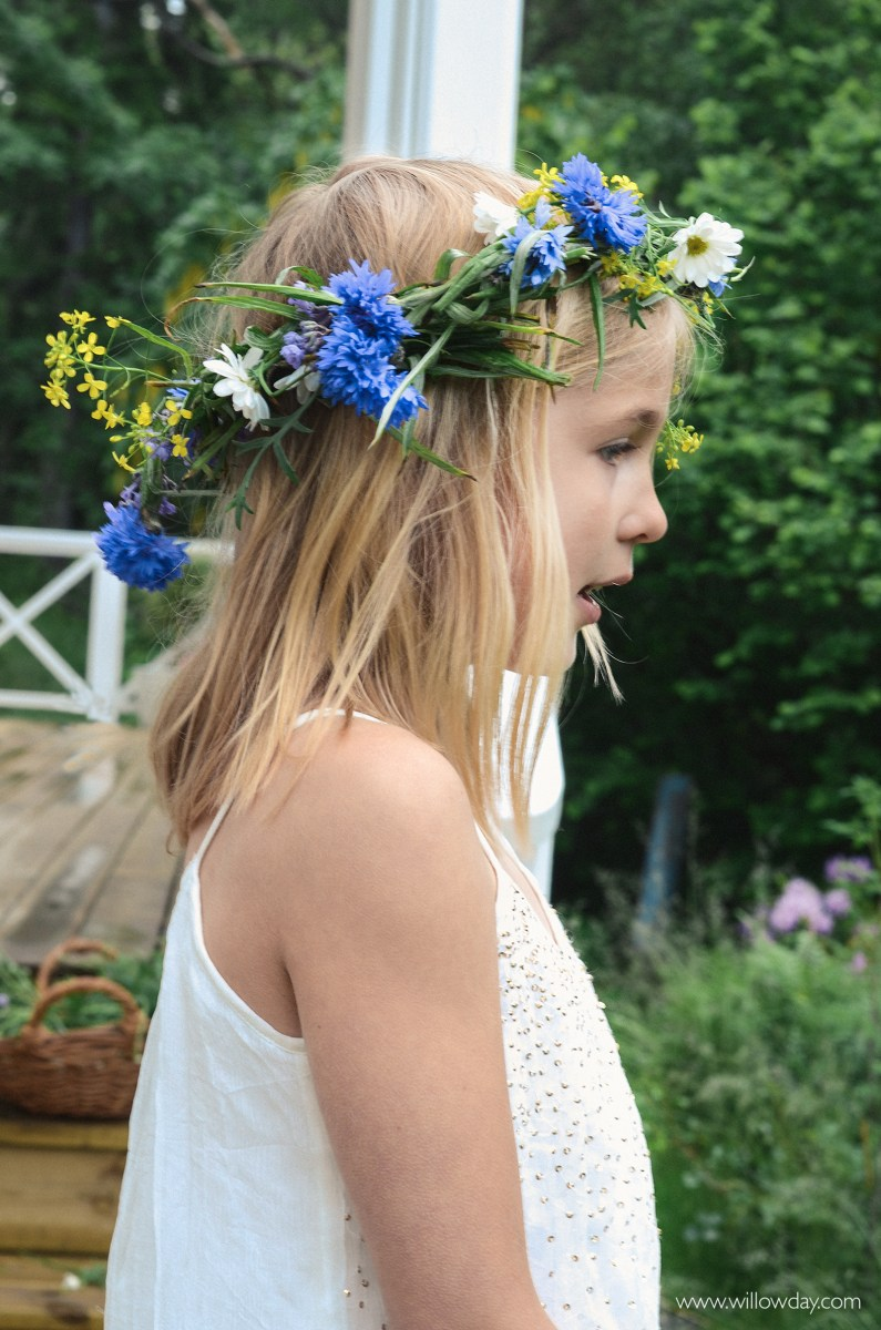 EASIEST DIY MIDSUMMER CROWN