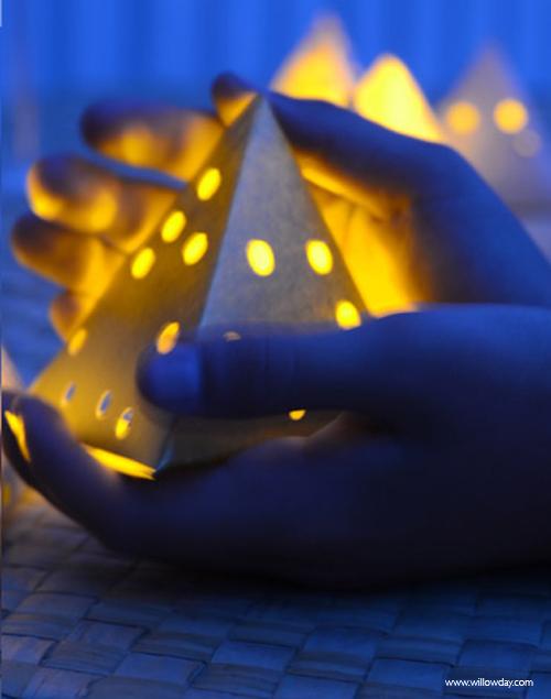 aug16paper-lantern