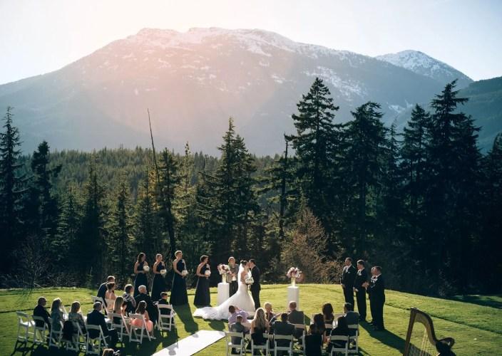 outdoor-mountain-ceremony-whistler