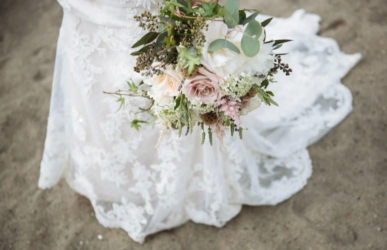 west coast boho wedding flowers