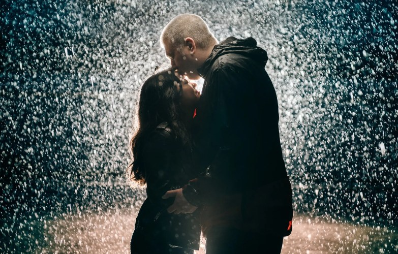 012 - rainy engagement photos