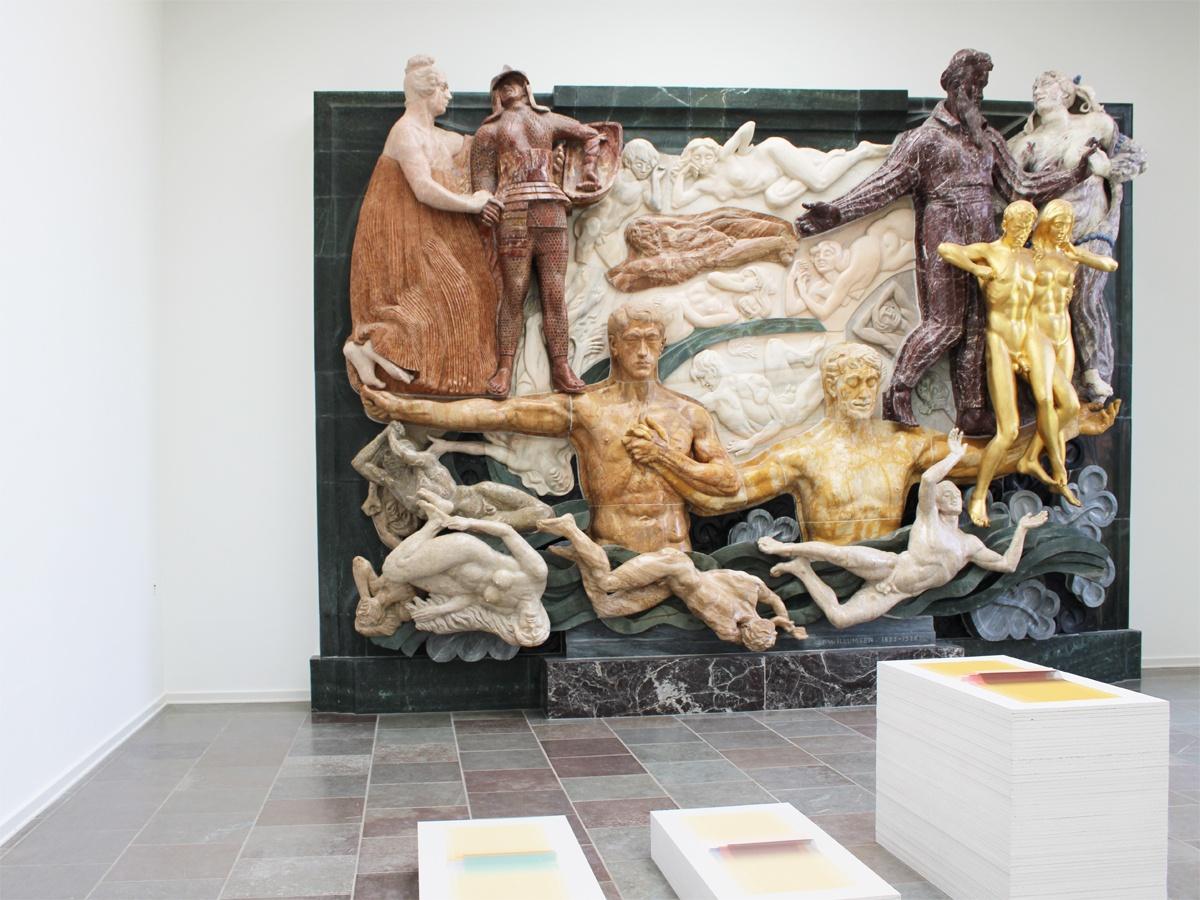 Relefsalen på Willumsens Museum med værker af Margrethe Odgaard
