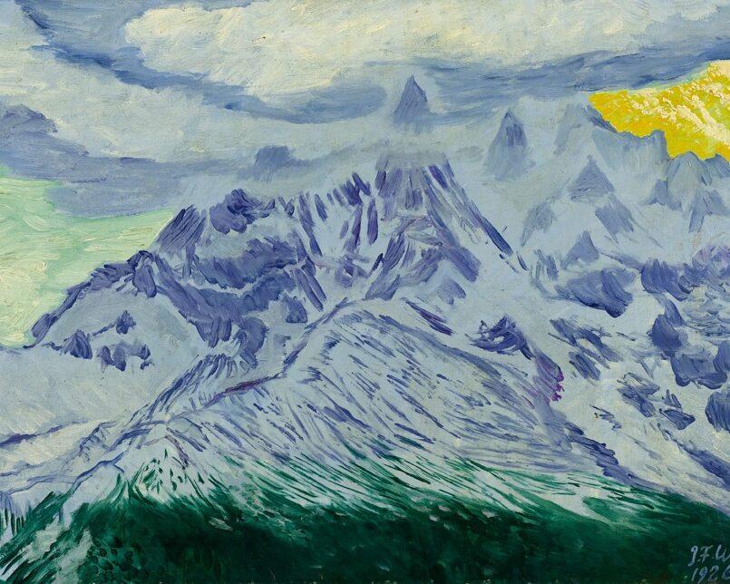Bjergkæde i aftensol