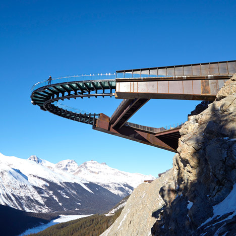 Glacier-Skywalk-by-Sturgess-Architecture-extends-over-Canadas-Jasper-National-Park_dezeen_sq