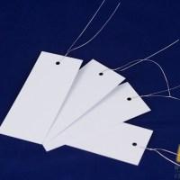 Kunststof labels met draad