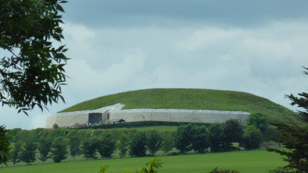 P1090425 Newgrange