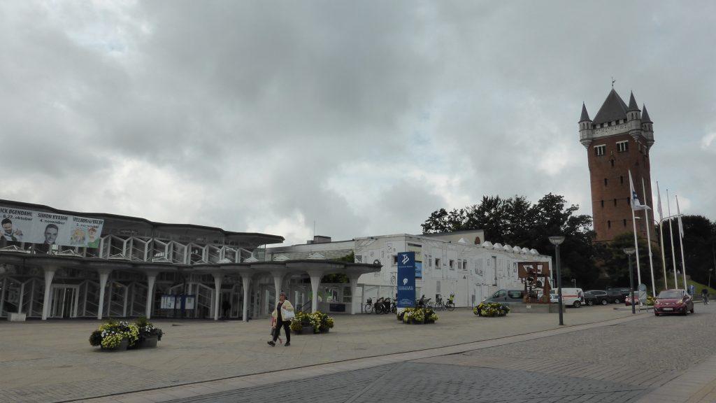 P1090852 Esbjerg watertoren en kunstmuseum